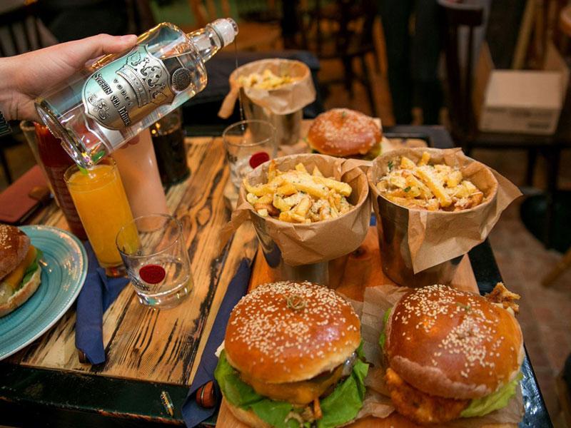 Vodka Ştefan cel Mare şi Burgeri