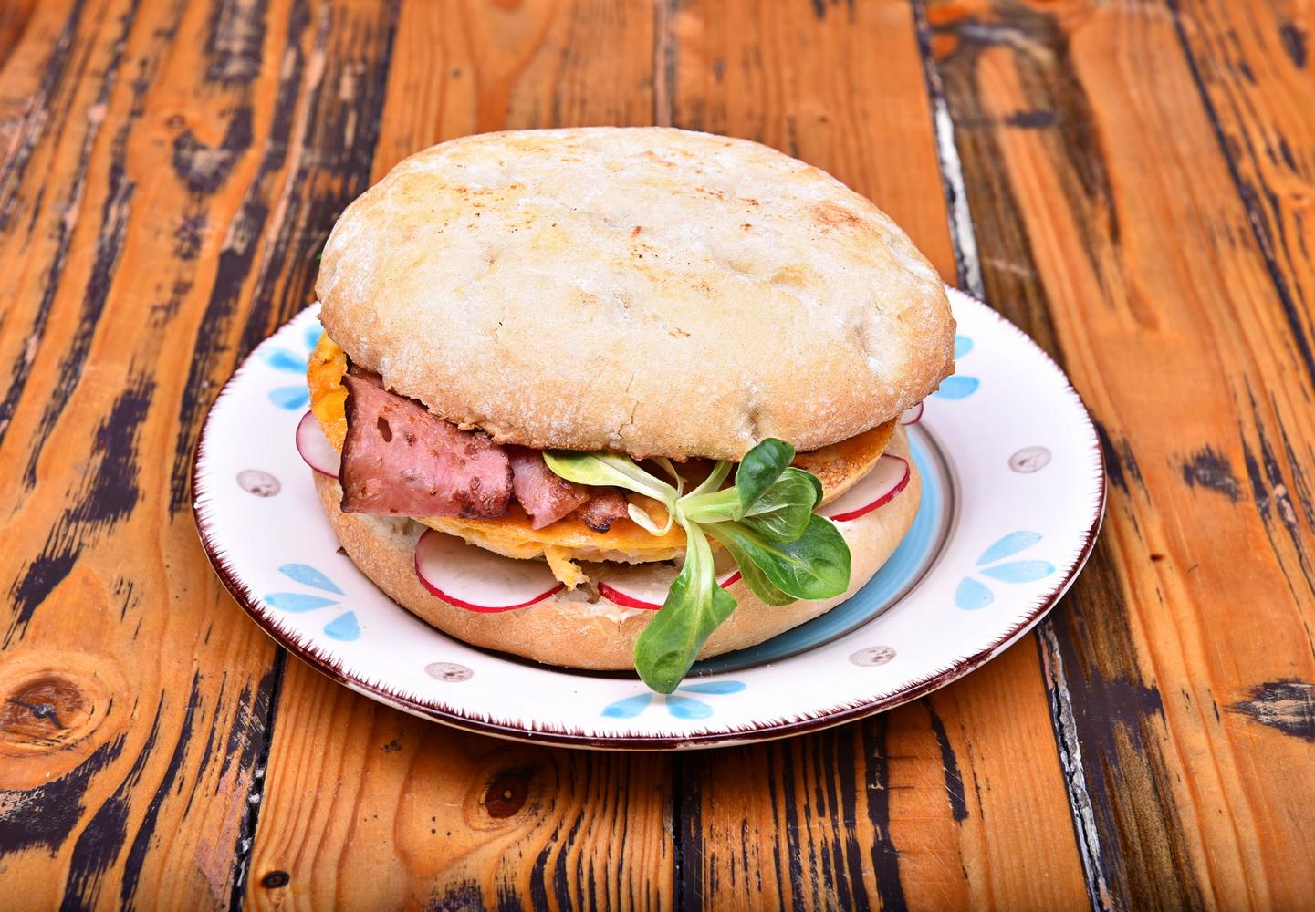 Omleta Sandwich